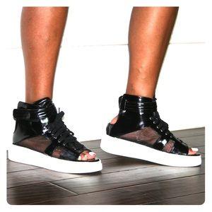 High Top, peep toe Sneaker
